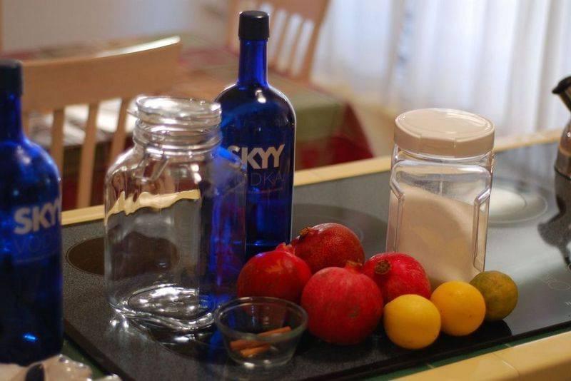 Настойки из дыни на самогоне, водке или спирте – 5 рецептов