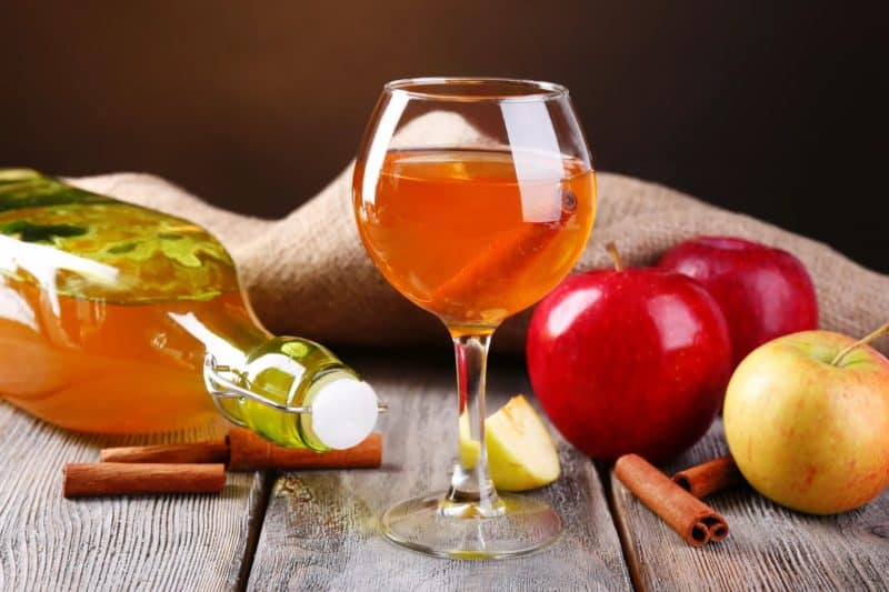 Вино, наливка и ликер из калины: 4 рецепта в домашних условиях