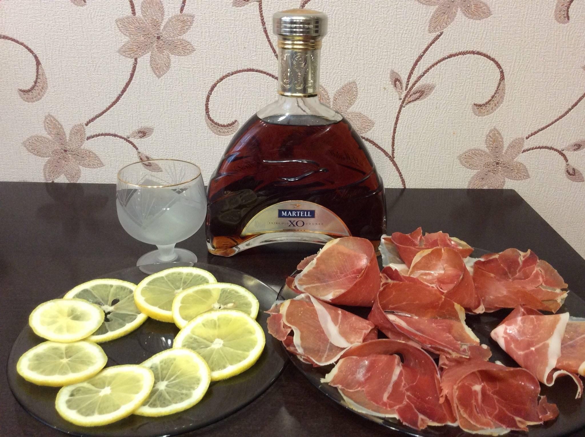 Коньяк с лимоном: почему так закусывают, можно или нельзя так пить, лечебные рецепты с фото   mosspravki.ru