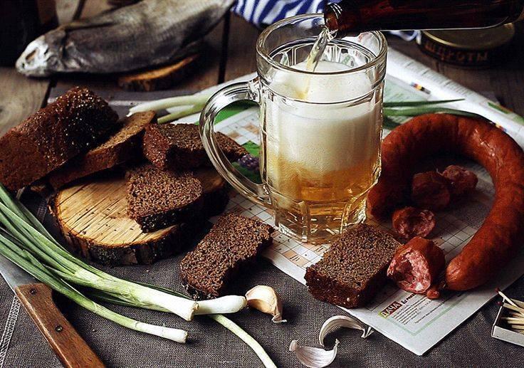 С чем правильно пить медовуху и как закусывать