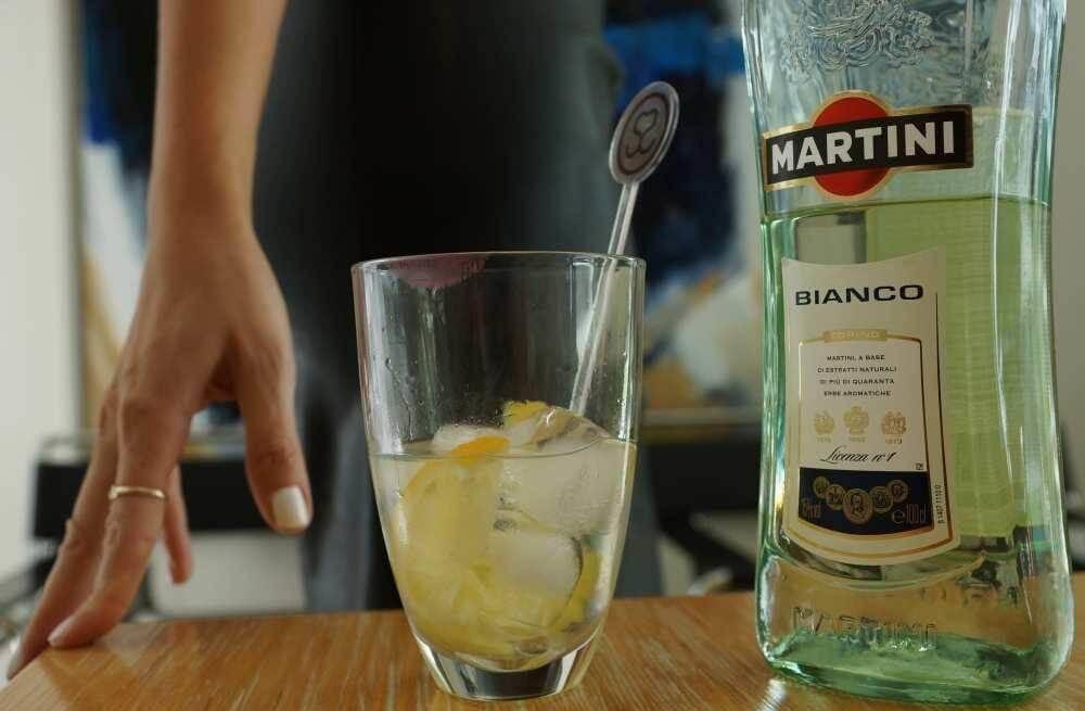 Коктейль «грязный мартини» — доступное совершенство