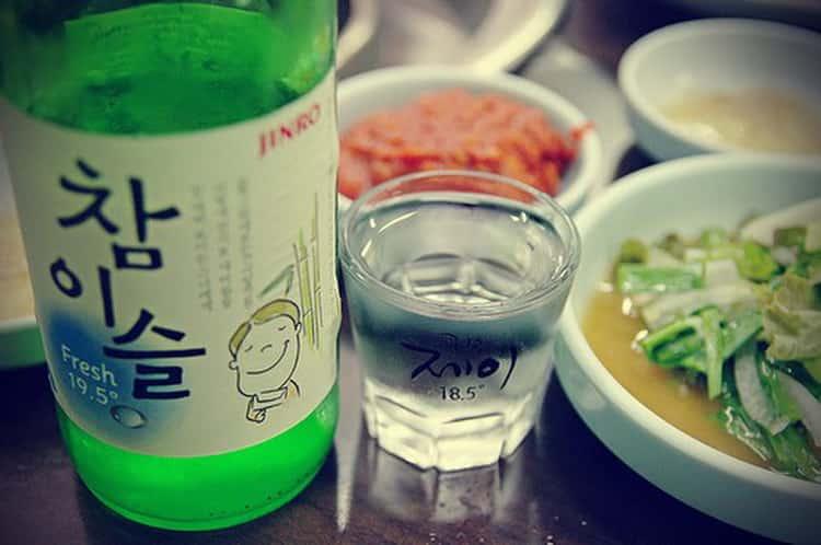 Соджу - корейская водка, национальный напиток корее