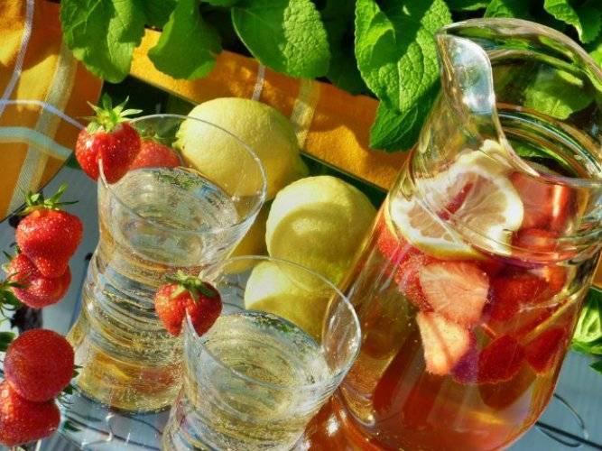 Рецепты приготовления алкогольного и безалкогольного крюшона