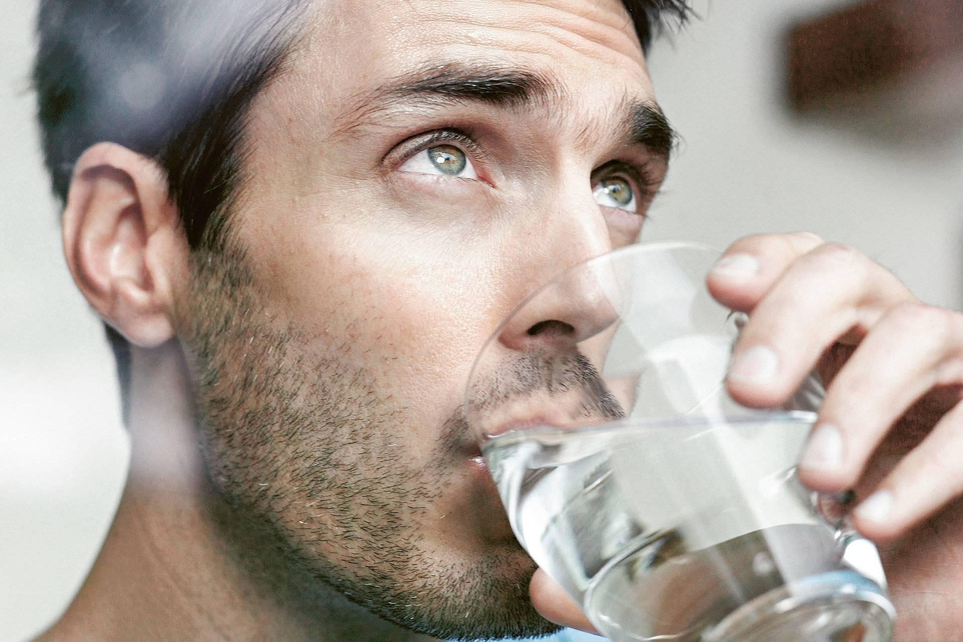 Почему с похмелья хочется пить, как избавиться от сушняка после пьянки
