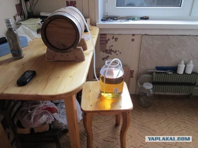 Как хранить самогон в дубовых бочках. как выдержать самогон в бочке