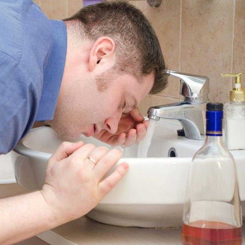 Капли от алкоголизма без ведома больного: рвотные средства без запаха в пищу