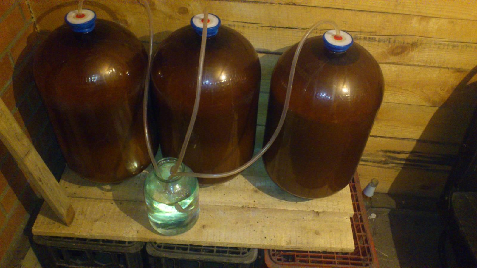 Правильное хранение спиртного в стекле, пластике, нержавейке и дубовых бочках