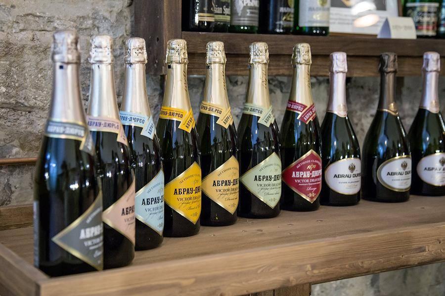 Как отличить настоящее шампанское, экскурсия в абрау-дюрсо