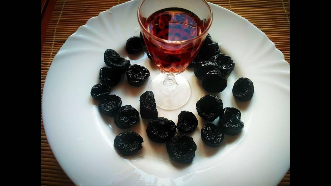 Популярные и лучшие рецепты на черносливе. как приготовить вкусную настойку на самогоне в домашних условиях? | про самогон и другие напитки ? | яндекс дзен