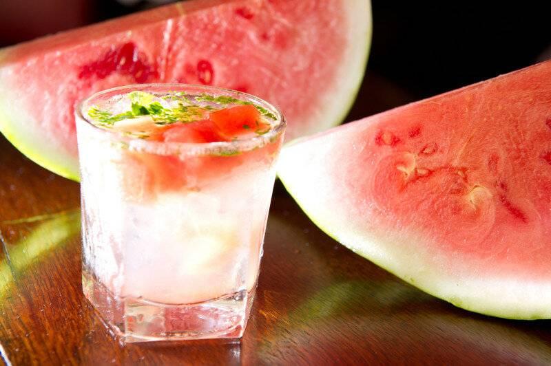 Как накачать арбуз водкой через шприц — история алкоголя