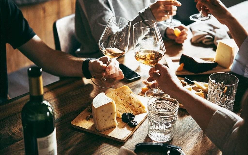 Как правильно пить пиво и не пьянеть: что делать, чтобы не тошнило вечером и не было плохо утром | suhoy.guru