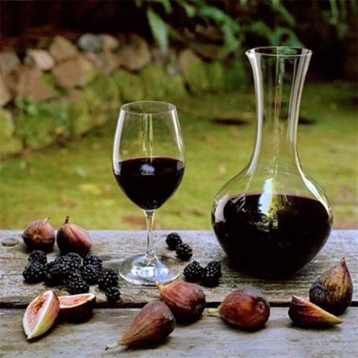 Ежевичное вино - простые рецепты в домашних условиях с медом, изюмом, красной смородиной и без воды