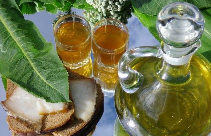Как лечиться хреновухой на водке с медом и лимоном? рецепт приготовления настойки, а также все о ее пользе и вреде