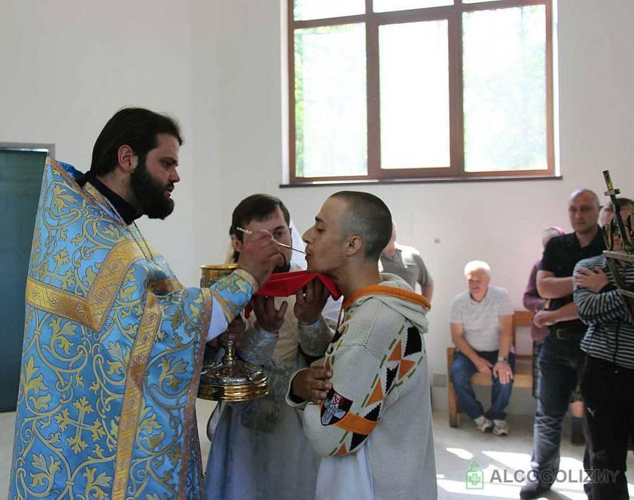 Лечение алкоголизма в монастырях и церквях - методика и виды бесплатной помощи, результаты излечения