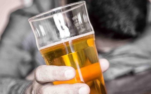 Как вывести алкоголь из организма быстро в домашних условиях и как очистить кровь с помощью медицинских препаратов