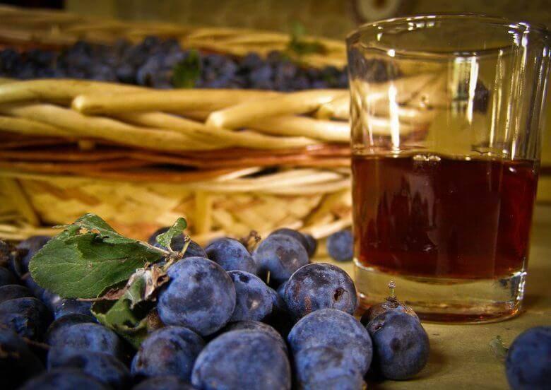 Вино из тёрна готовим в домашних условиях