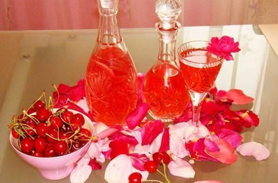 Как сделать вино из розовых лепестков дома