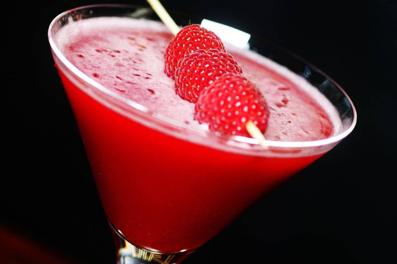Коктейль кловер клаб (clover club) – рецепт, история, вариации