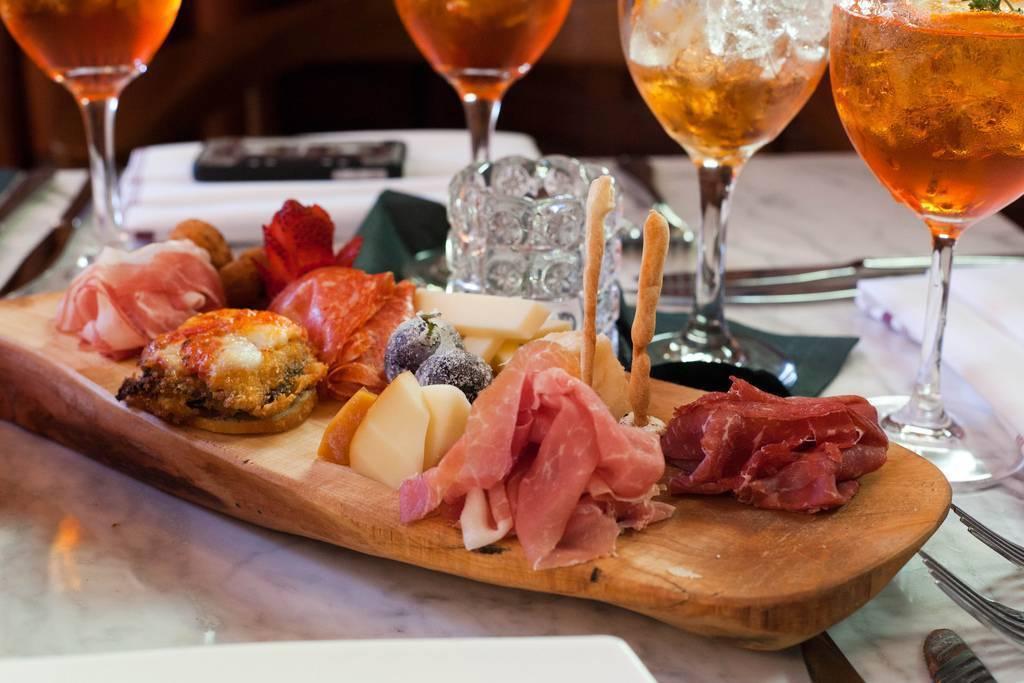 Закуска к виски — рецепты вкусных и несложных блюд