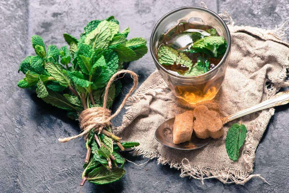 Употребление зеленого чая от похмелья. алкоголь с чаем: рецепты приготовления. грог чайный