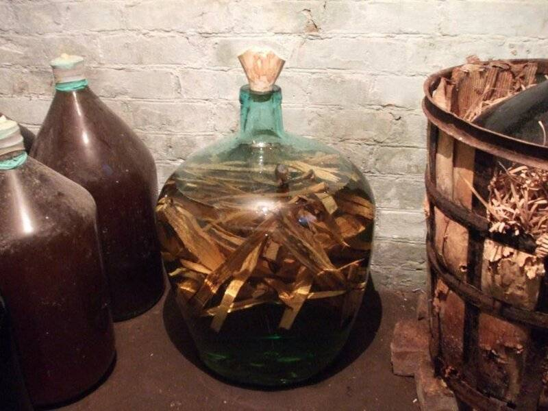Настойка самогона на дубовой щепе – рецепты, домашний коньяк