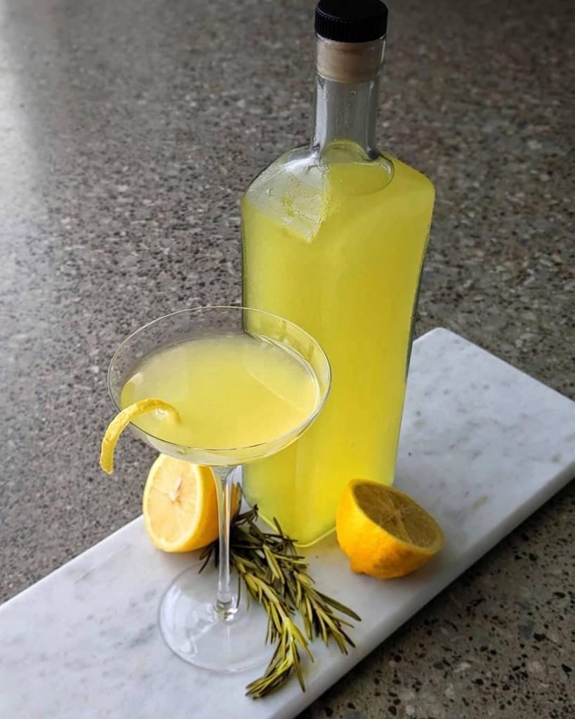 """Итальянский лимонный ликер """"лимончелло"""" – кулинарный рецепт"""