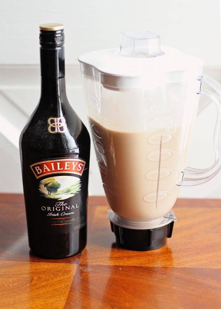 Изготовление и правила подачи сливочного ликера, рецепты закусок и коктейлей