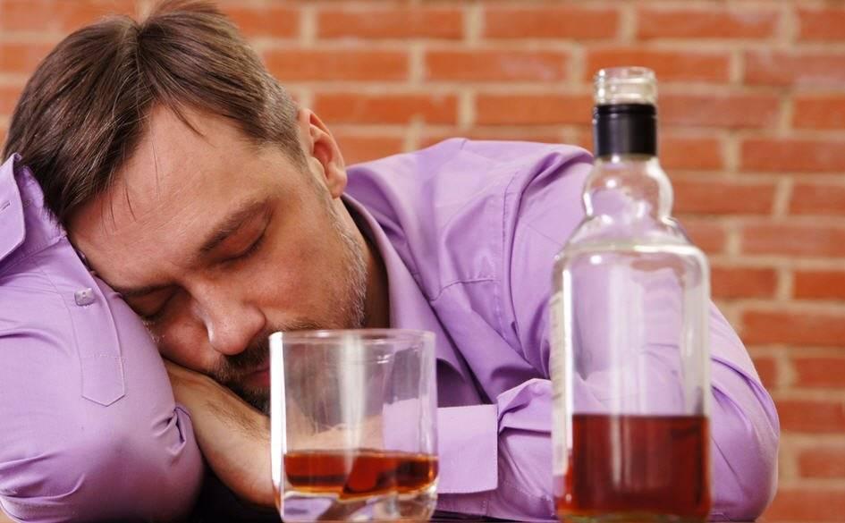 Что делать если родители пьют каждый день: жена и муж алкоголики