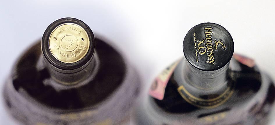 Эксперты перечислили признаки поддельной водки и коньяка