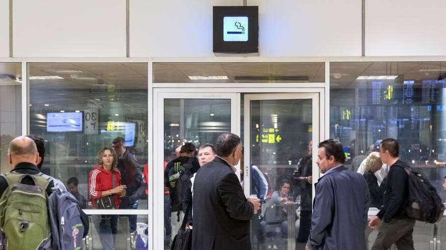 Курение в аэропортах россии и мира