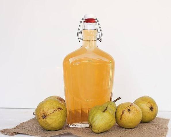 Классический (простой) рецепт самогона из груши: грушевая водка