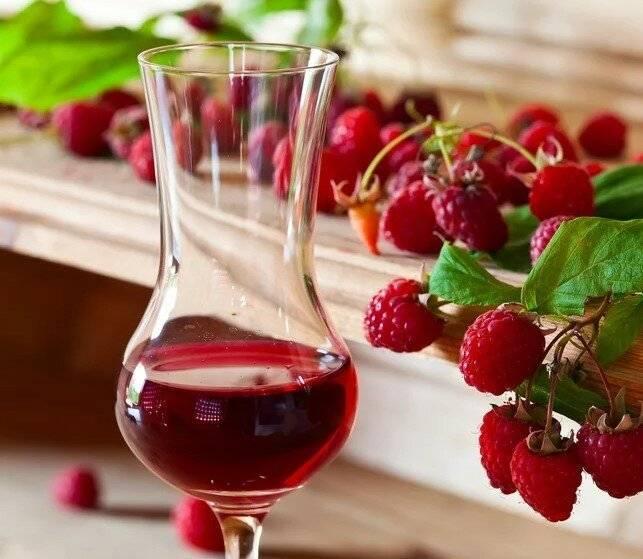 Настойка из малины — лучшие рецепты вкусного и ароматного алкоголя - для женщин