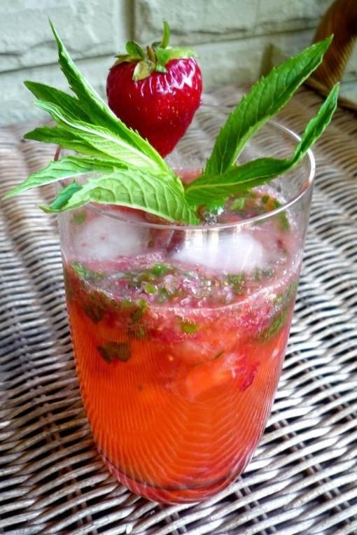 Клубничный мохито безалкогольный рецепт с фото пошагово - 1000.menu