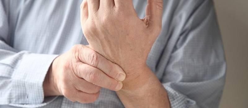 Что делать, если с похмелья немеют руки?