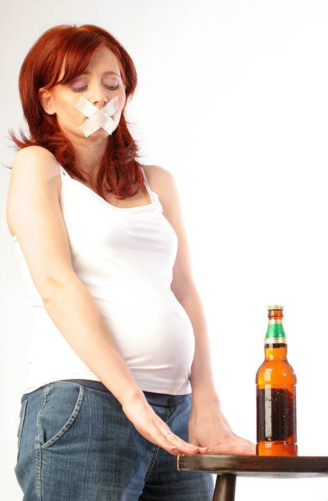 Можно ли пить сухое красное и белое вино при беременности?