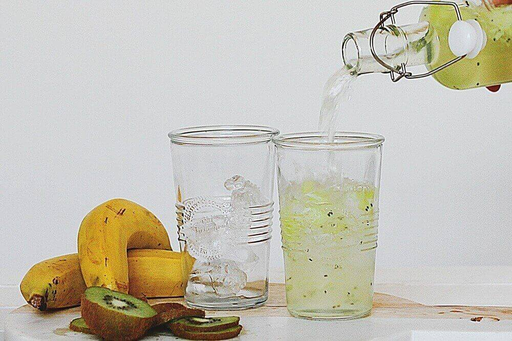 Банановая настойка в домашних условиях: напиток на спирту и подготовка сусла, характеристики вкуса и аромата, как правильно рассчитать количество сахара