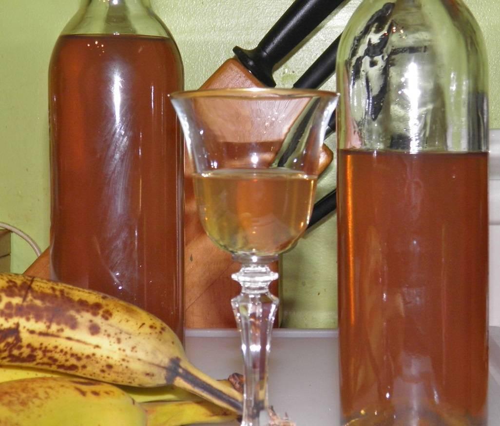 Банановая настойка на самогоне: как приготовить?