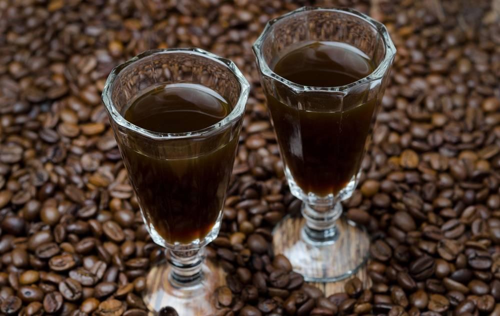 Кофе с коньяком - как правильно пить, сделать и пропорции в рецептах с молоком, корицей и сливками