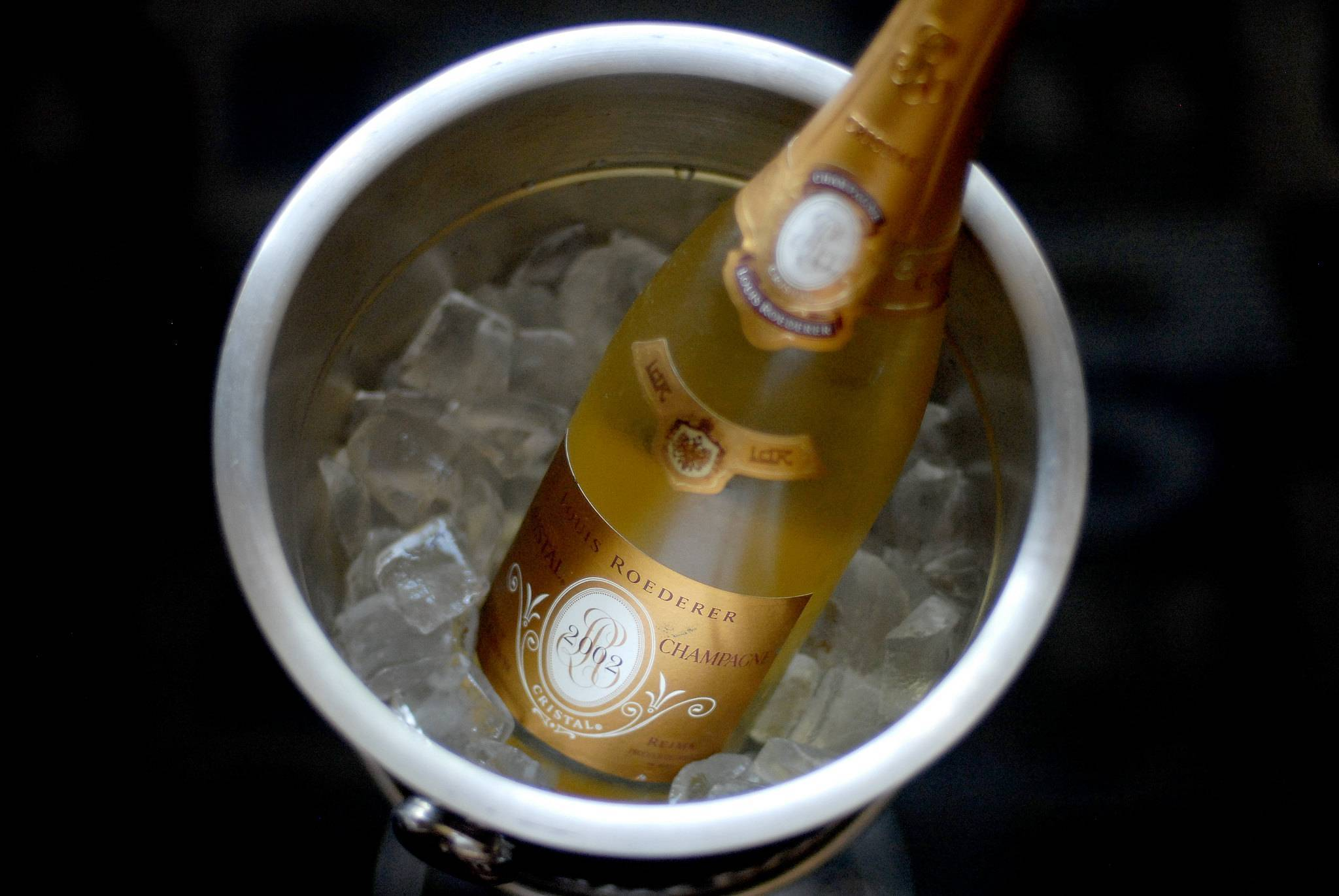 Шампанское кристалл: история и виды напитка, стоимость