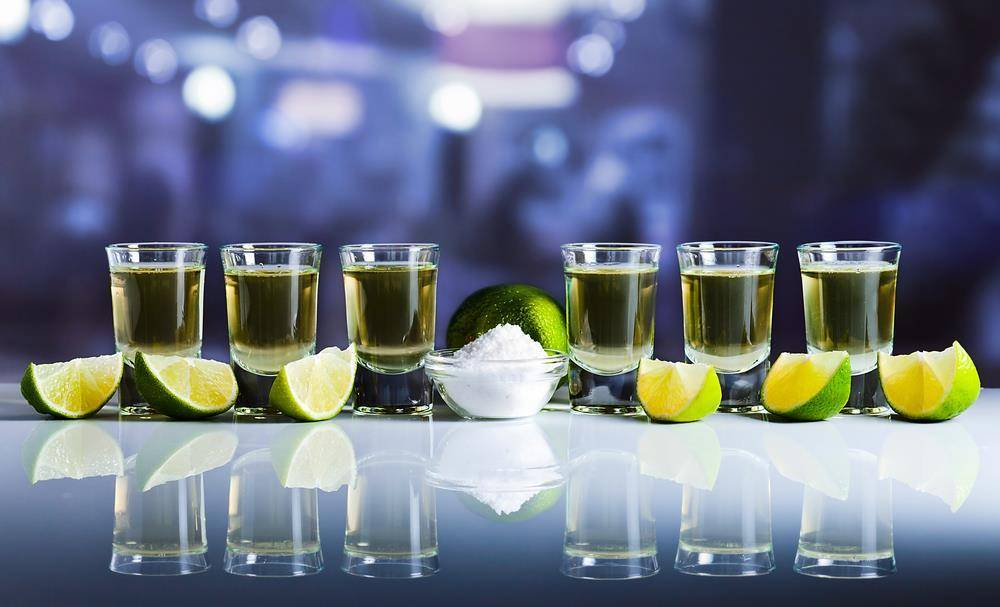 Как и чем запивать текилу - кола, спрайт, соки