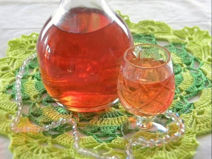 Настойка из клубники на водке, джине и текиле в домашних условиях