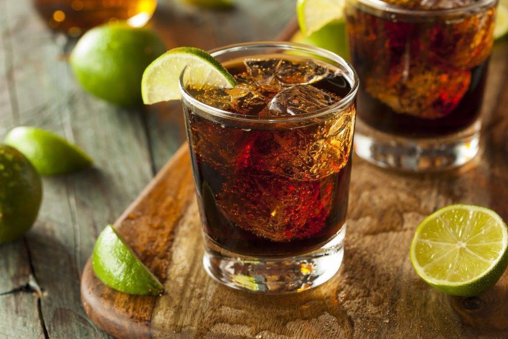 Коктейли с виски – несколько рецептов поистине божественных напитков. как приготовить с яблочным соком? | про самогон и другие напитки ? | яндекс дзен