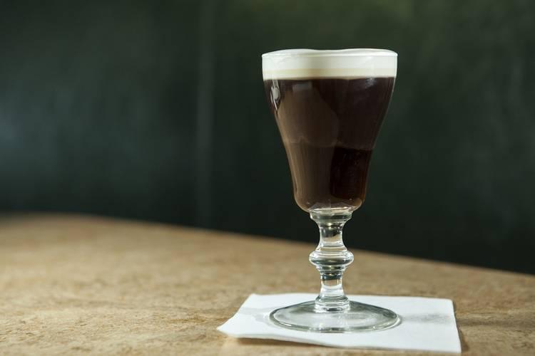 Коктейль из кофе с виски: рецепты приготовления, история создания