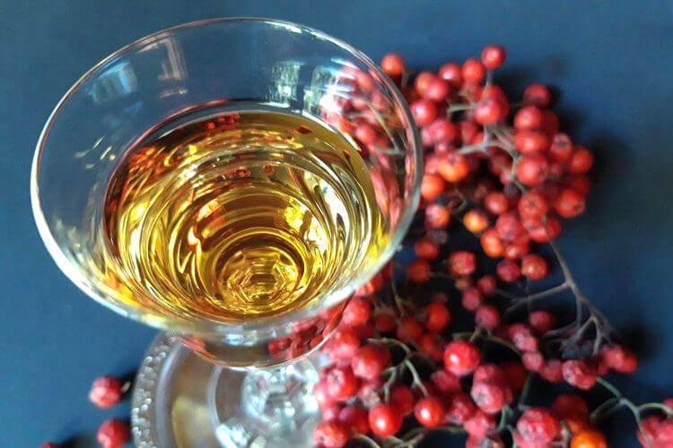 Рябиновая настойка: 6 рецептов в домашних условиях