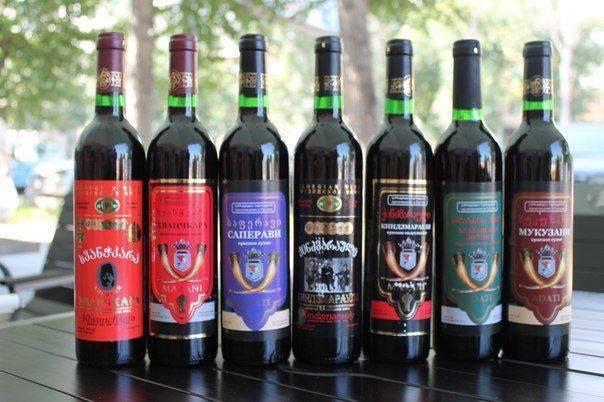 Белое сухое вино: какое выбрать хорошее, названия, сорта, марки, рейтинг лучших полусладких напитков
