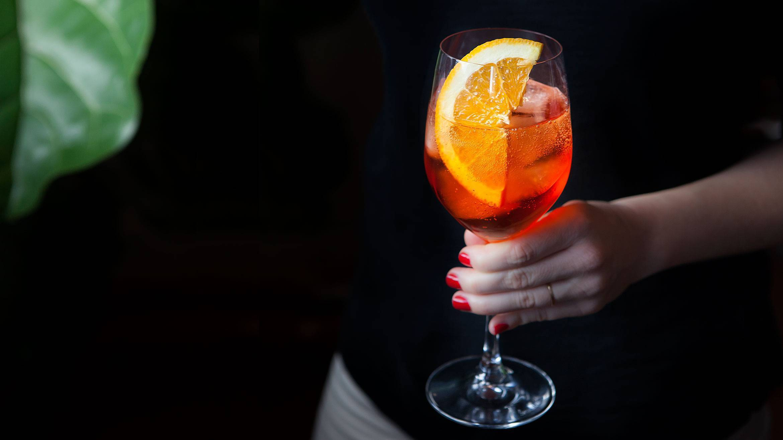 Как приготовить самый модный коктейль лета 2018 –апероль шприц