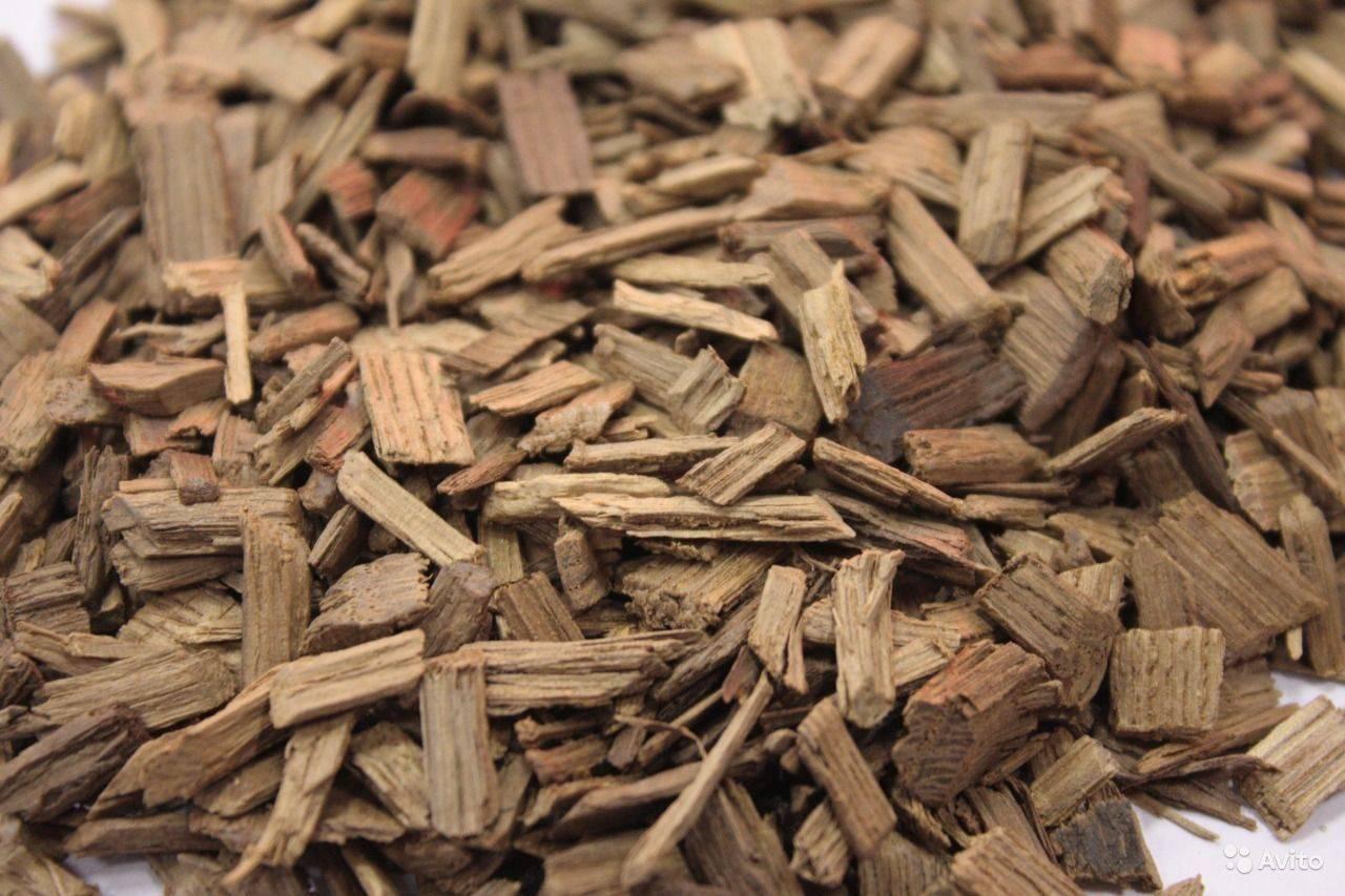 Как приготовить дубовые чипсы для самогона, рецепт настойки самогона на дубовой щепе