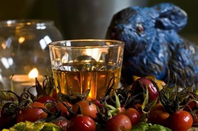 Настойка из шиповника на водке. алкогольная «аскорбинка»