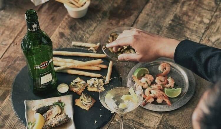 Ликер — с чем пить и с какой посуды