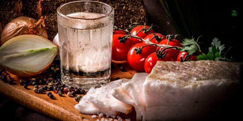 Как смягчить самогон в домашних условиях, чтоб приятно пился?
